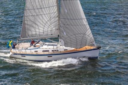 Hallberg-Rassy 412 for sale in Netherlands for €419,000 (£367,286)