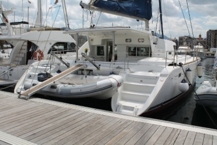 Lagoon 440 for sale in Italy for €250,000 (£215,949)