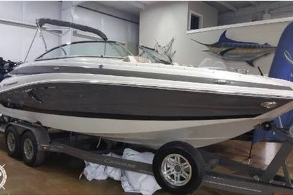 Crownline Eclipse E25 for sale in United States of America for $80,000 (£62,816)