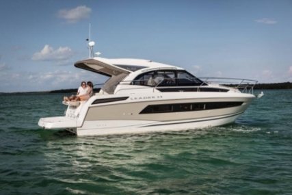 Jeanneau Leader 33 for sale in France for €234,000 (£202,806)