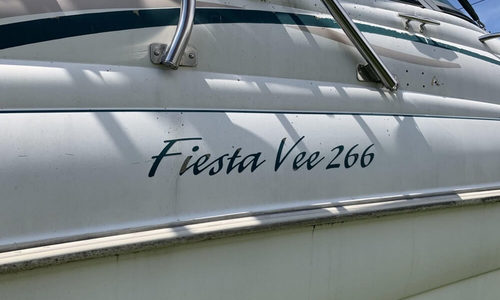 Image of Rinker Fiesta Vee 266 for sale in United States of America for $15,000 (£10,866) Queens Village, New York, United States of America