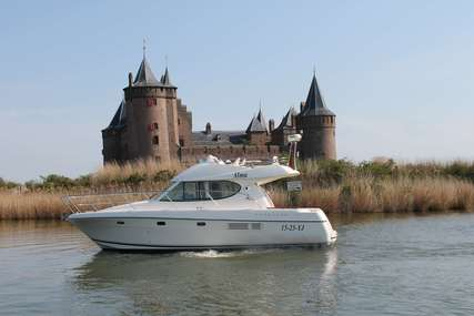 Prestige Yachts 32 flybridge for sale in Netherlands for €119,000 (£106,543)