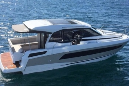 Jeanneau NC 33 for sale in Ireland for €329,000 (£290,556)