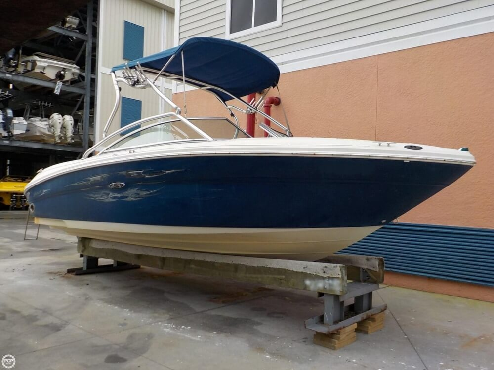 Sea Ray 220 Select for sale in United States of America for