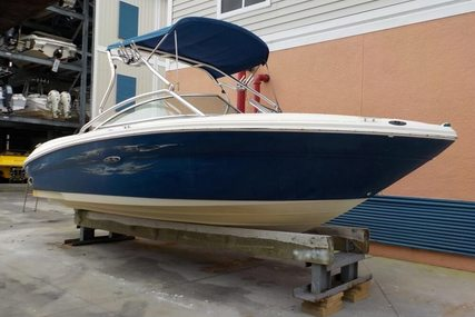 Sea Ray 220 Select for sale in United States of America for $17,745 (£13,820)