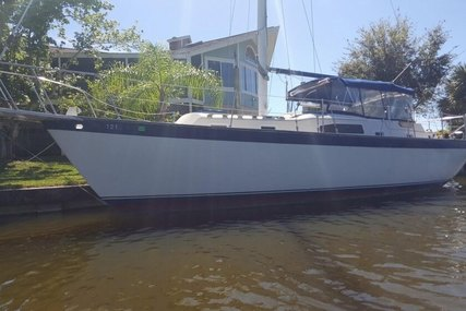 Irwin Yachts 37 Center Cockpit for sale in United States of America for $22,750 (£17,895)