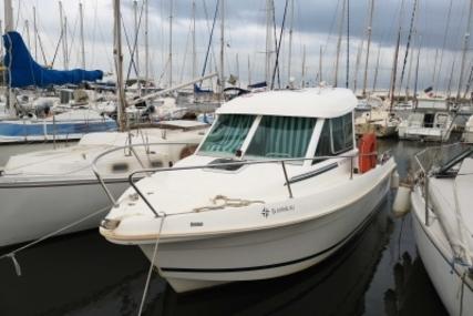 Jeanneau Merry Fisher 625 for sale in France for €21,900 (£19,197)