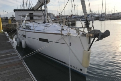 Beneteau Oceanis 41 for sale in France for €159,000 (£139,554)