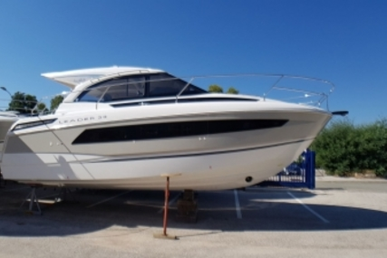 Jeanneau Leader 33 for sale in France for €245,000 (£214,762)