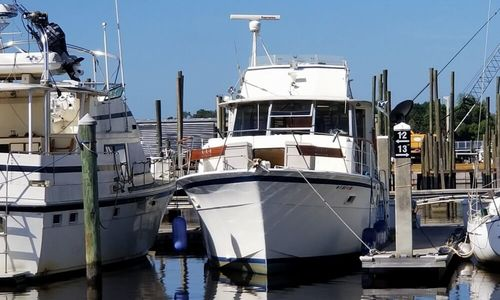 Image of Hatteras 43 for sale in United States of America for $29,998 (£24,054) Jacksonville, Florida, United States of America