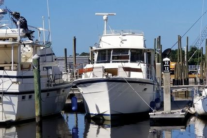 Hatteras 43 for sale in United States of America for $29,998 (£23,994)
