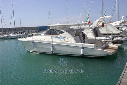 Cayman 43 Walkabout for sale in Italy for €170,000 (£144,715)