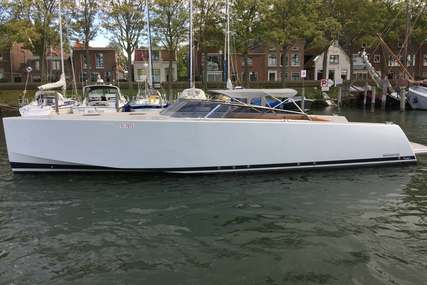 VanDutch 40 open for sale in Netherlands for €295,000 (£264,119)
