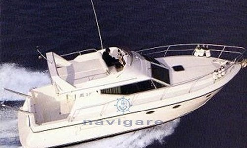 Image of Azimut Yachts 37 for sale in Italy for €75,000 (£67,461) Toscana, Italy