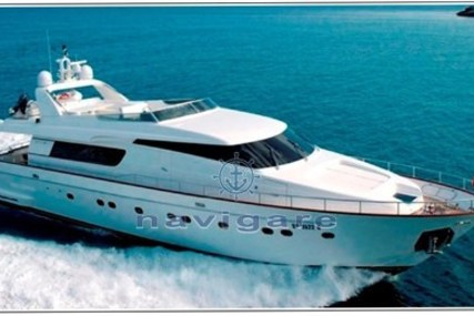 Sanlorenzo 82 for sale in Italy for €1,900,000 (£1,689,009)