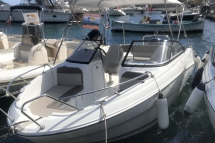 Jeanneau Cap Camarat 6.5 BR for sale in France for €33,000 (£29,431)