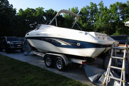 Rinker Captiva 232 for sale in United States of America for $18,250 (£14,395)