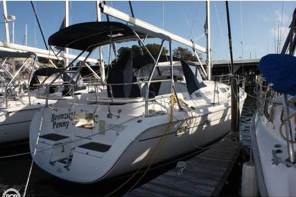 Hunter 37 for sale in United States of America for $142,500 (£112,037)