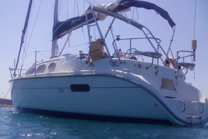 Hunter 290 for sale in Spain for €30,000 (£26,910)