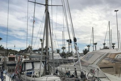 Hallberg Rassy 352 for sale in Spain for €78,000 (£67,321)