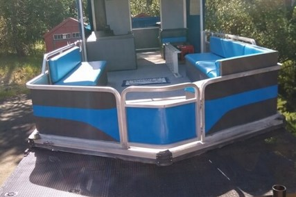 Sun Tracker 32 Party Cruiser for sale in United States of America for $17,900 (£14,080)