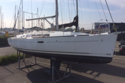 Beneteau Oceanis 34 for sale in France for €68,000 (£60,814)