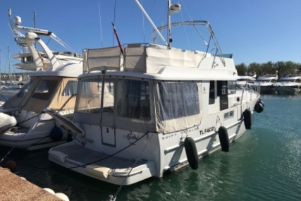 Beneteau Swift Trawler 44 for sale in France for €380,000 (£334,970)