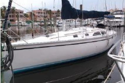 Hunter 35.5 for sale in United States of America for 36,900 $ (29,106 £)