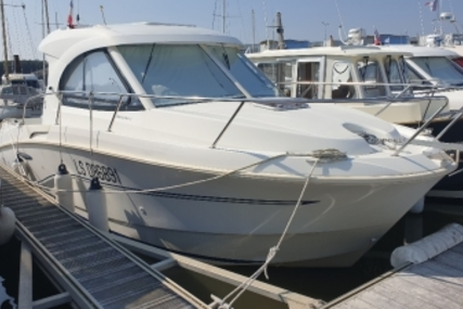 Beneteau Antares 8 for sale in France for €45,000 (£39,709)