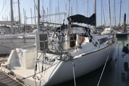 Beneteau Oceanis 37 for sale in France for €85,000 (£76,018)