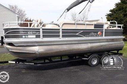 Sun Tracker 22 DLX Fishin Barge for sale in United States of America for $28,995 (£22,005)