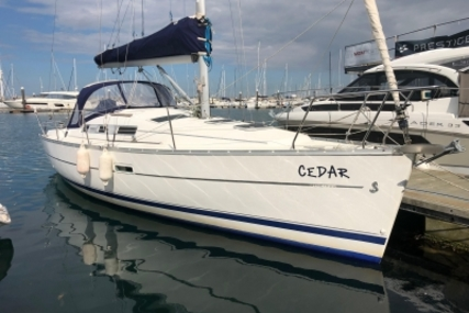 Beneteau Oceanis 323 Clipper for sale in Ireland for €59,500 (£52,449)