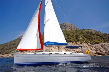 Beneteau Cyclades 43.4 for sale in Greece for €49,000 (£44,075)