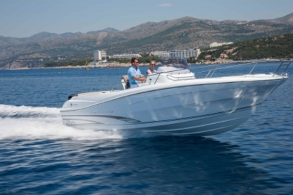 Jeanneau Cap Camarat 7.5 Cc for sale in France for €60,000 (£53,719)