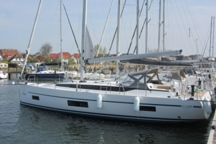 Bavaria Yachts 35 Holiday for sale in Germany for €284,000 (£256,422)