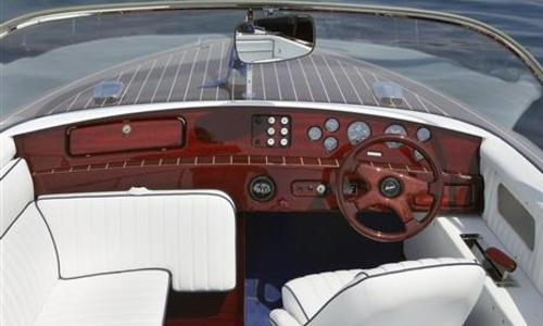 Image of Boesch 620 Bimini de Luxe for sale in United Kingdom for €197,400 (£176,717) London, United Kingdom