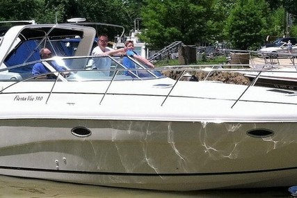 Rinker Fiesta Vee 310 for sale in United States of America for $39,500 (£31,346)