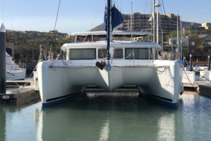 Lagoon 420 for sale in Mexico for €250,000 (£224,149)
