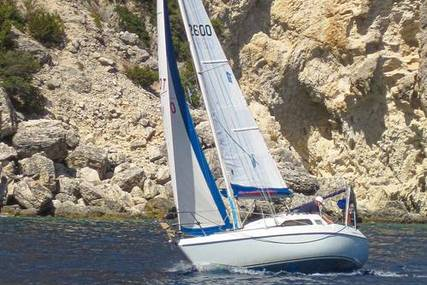 Hunter 27 OOD for sale in Greece for €14,500 (£13,295)