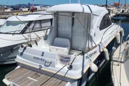 Beneteau Antares Serie 8 for sale in France for €44,000 (£39,242)