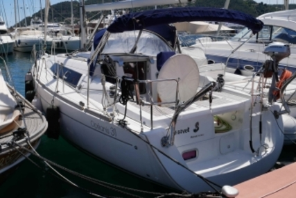 Beneteau Oceanis 31 for sale in France for €52,000 (£46,368)
