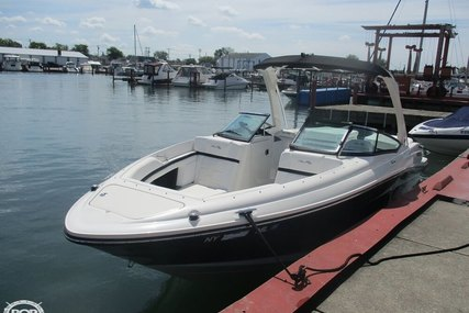 Sea Ray 250 SLX for sale in United States of America for $87,900 (£70,615)