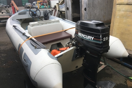 Avon 4M for sale in United Kingdom for £1,950