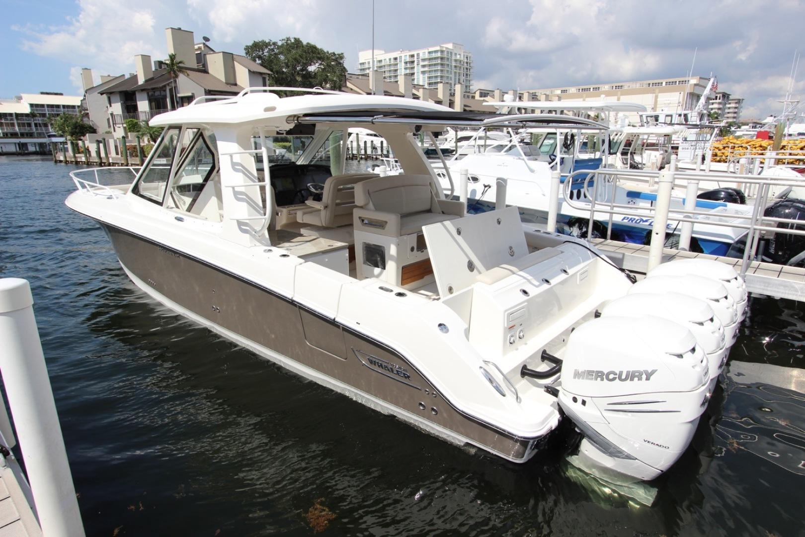2019 Boston Whaler 2019 380 realm