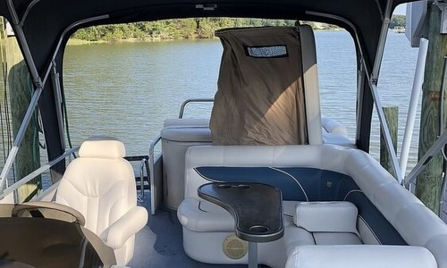 Image of Premier Pontoons Legend 225 PTX for sale in United States of America for $27,500 (£19,745) Virginia Beach, Virginia, United States of America