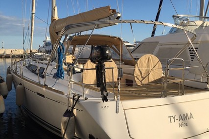 Dufour Yachts 525 Grand Large for sale in France for €150,000 (£134,922)
