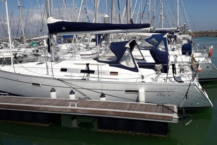 Beneteau Oceanis 343 for sale in France for €54,000 (£48,438)
