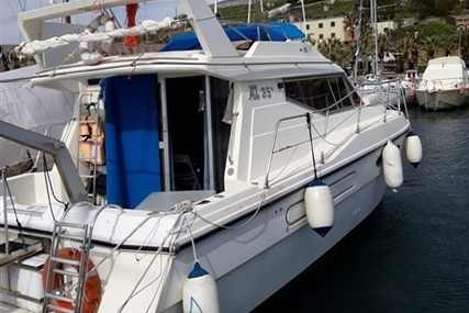Azimut Yachts 35 for sale in Italy for €48,000 (£42,820)