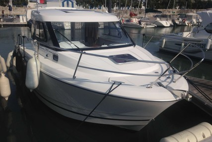 Jeanneau Merry Fisher 755 for sale in France for €41,000 (£37,440)