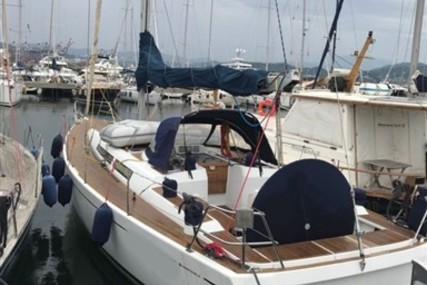 Grand Soleil 43 for sale in Italy for €150,000 (£132,492)